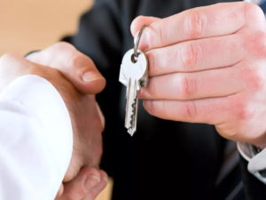 сдать квартиру квартирантам по закону
